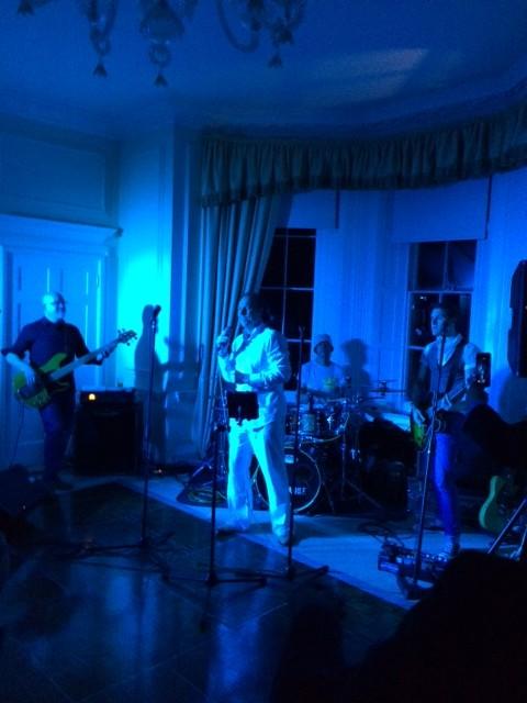 Stuart Hosking Sings